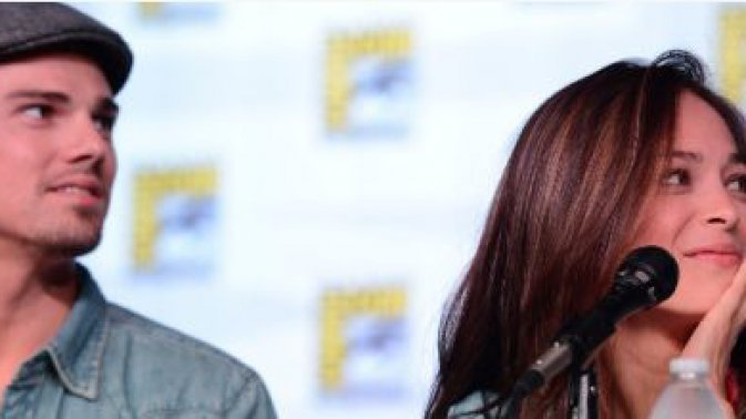 Beauty and the beast - Comic-con 2012 panel