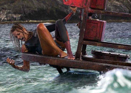 Paradise Beach: la recensione del film con Blake Lively