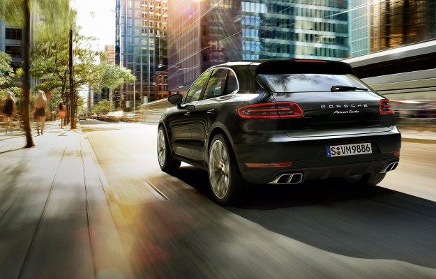 Porsche verso il 100% elettrico: addio benzina su tutte le 4 porte Sedan e SUV