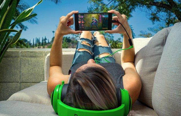 Razer Phone, la recensione: schermo super e ottima batteria per i gamer