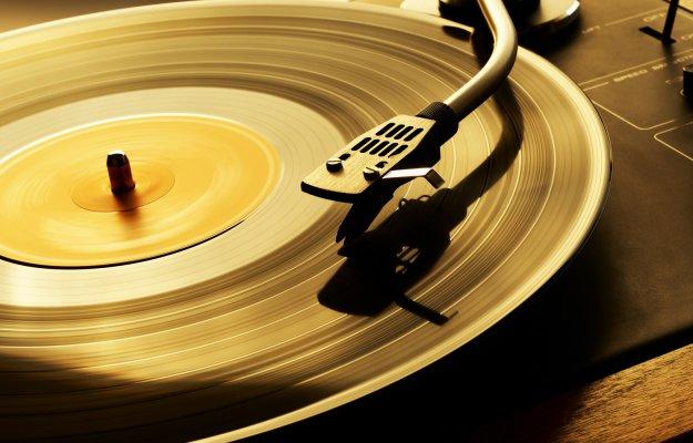 Vinili e Musicassette: il ritorno del vintage