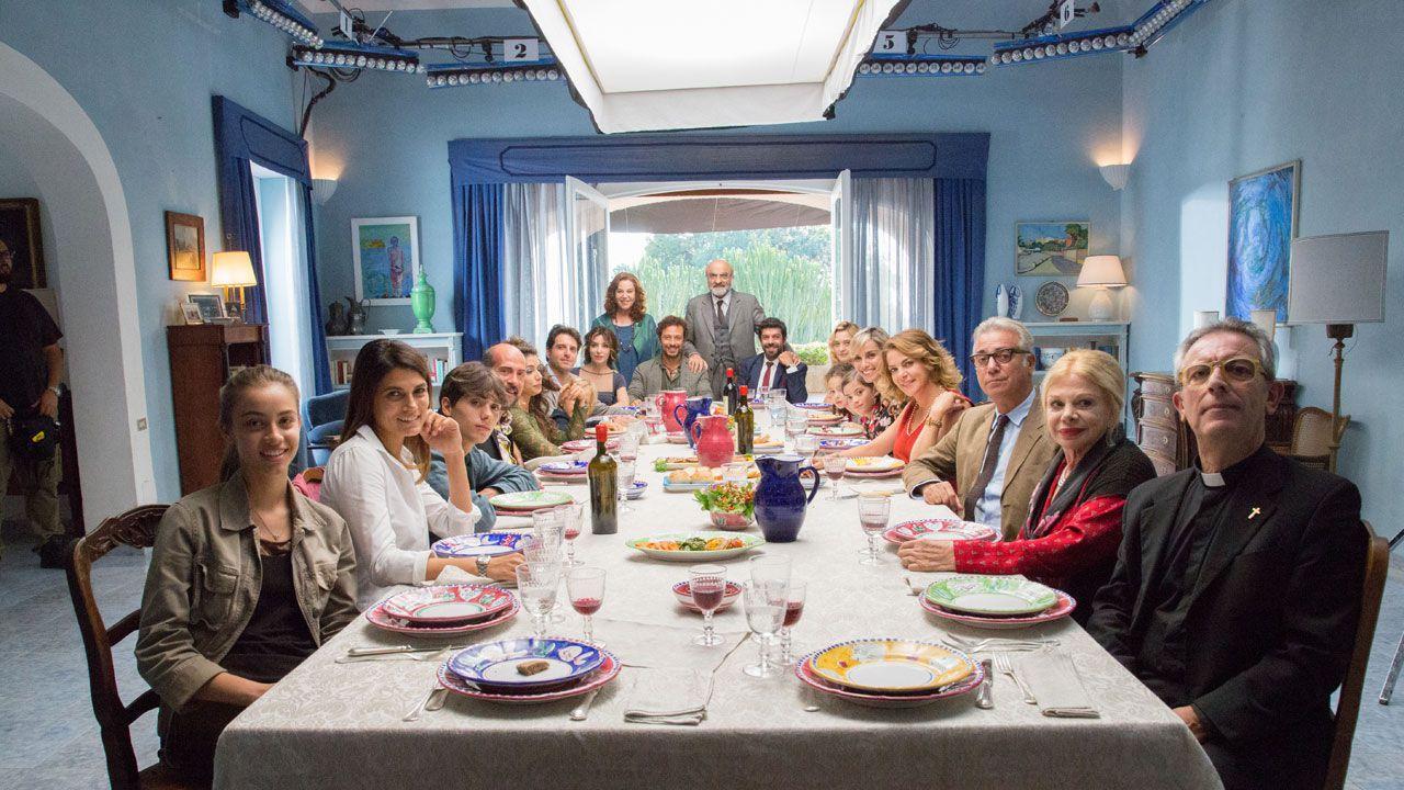 A Casa Tutti Bene: Gabriele Muccino e il cast raccontano la famiglia imperfetta