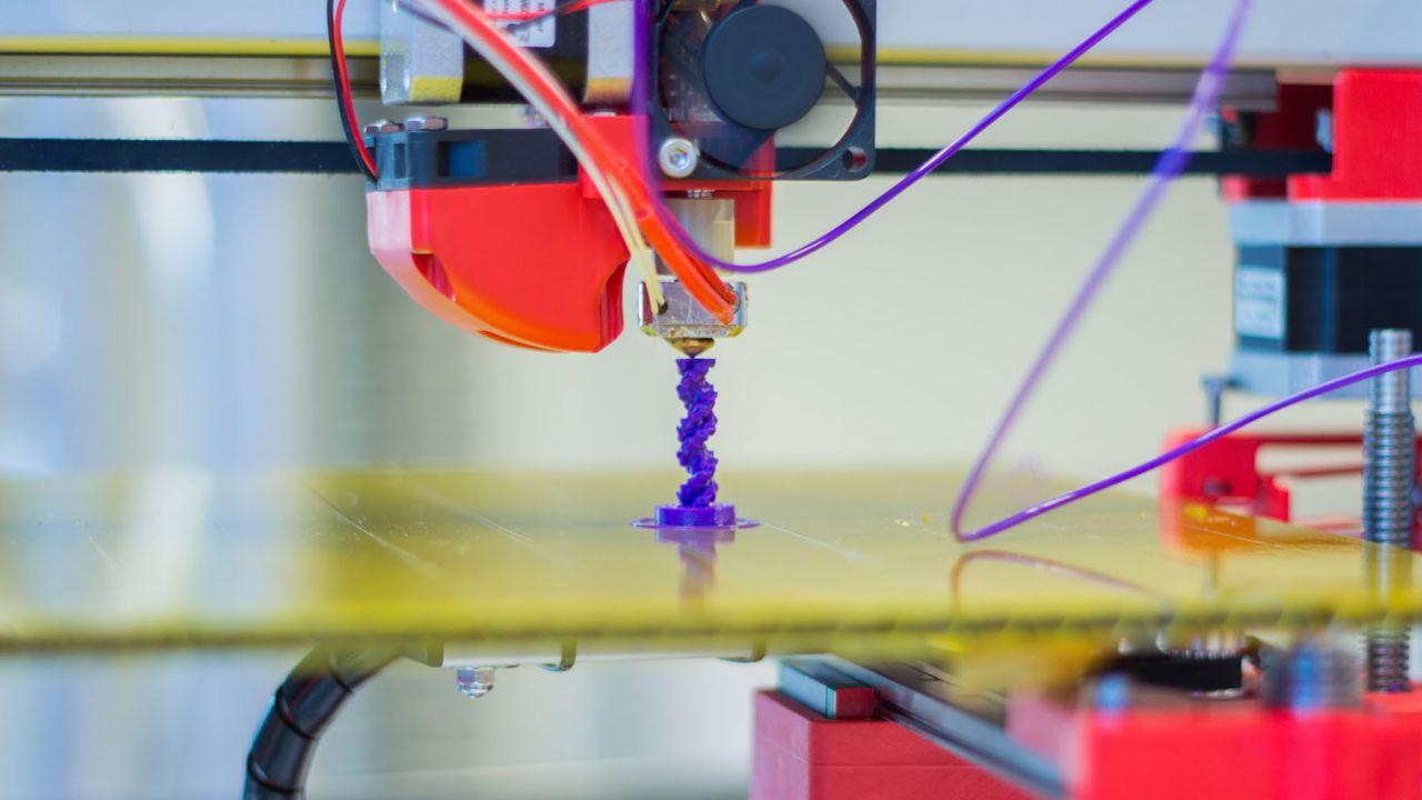 provato Abbiamo provato una stampante 3D da 100 euro: un mondo accessibile a tutti?