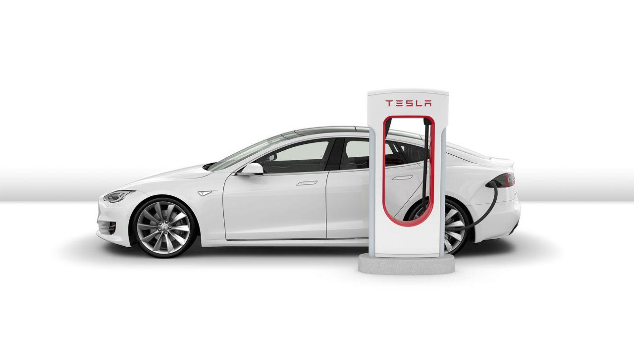 speciale Addio Tesla Supercharger gratis: nuove tariffe e tassa di stazionamento