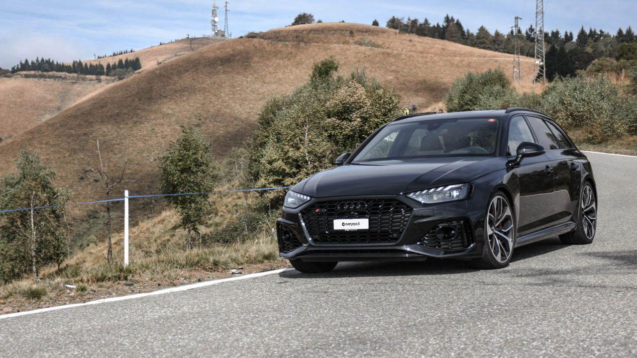 Alla guida della nuova Audi RS4 2020: potenza formato famiglia
