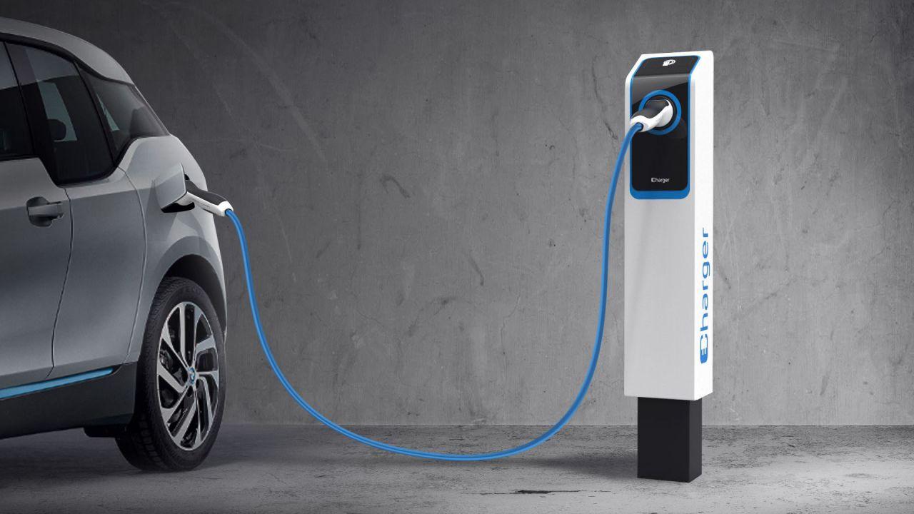 speciale Auto elettriche e colonnine di ricarica: a che punto siamo in Italia?