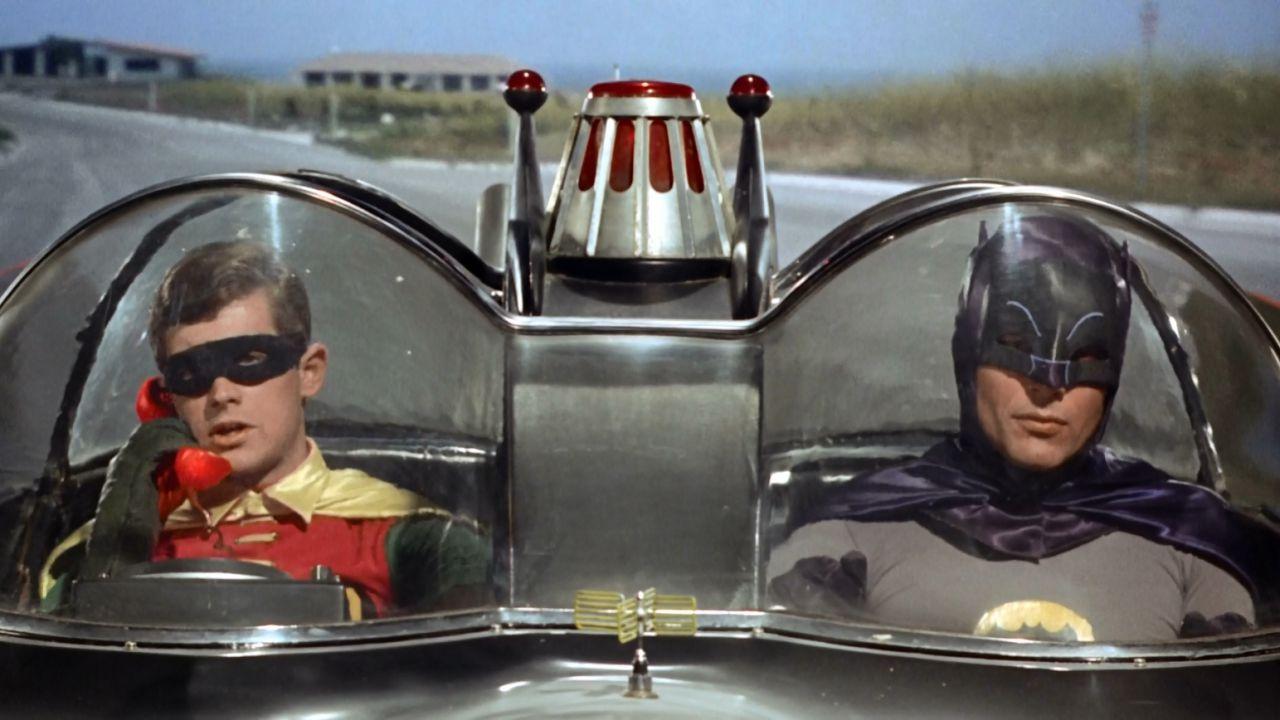 recensione Batman - Il film, la recensione del film kitsch anni '60 disponibile su Netflix
