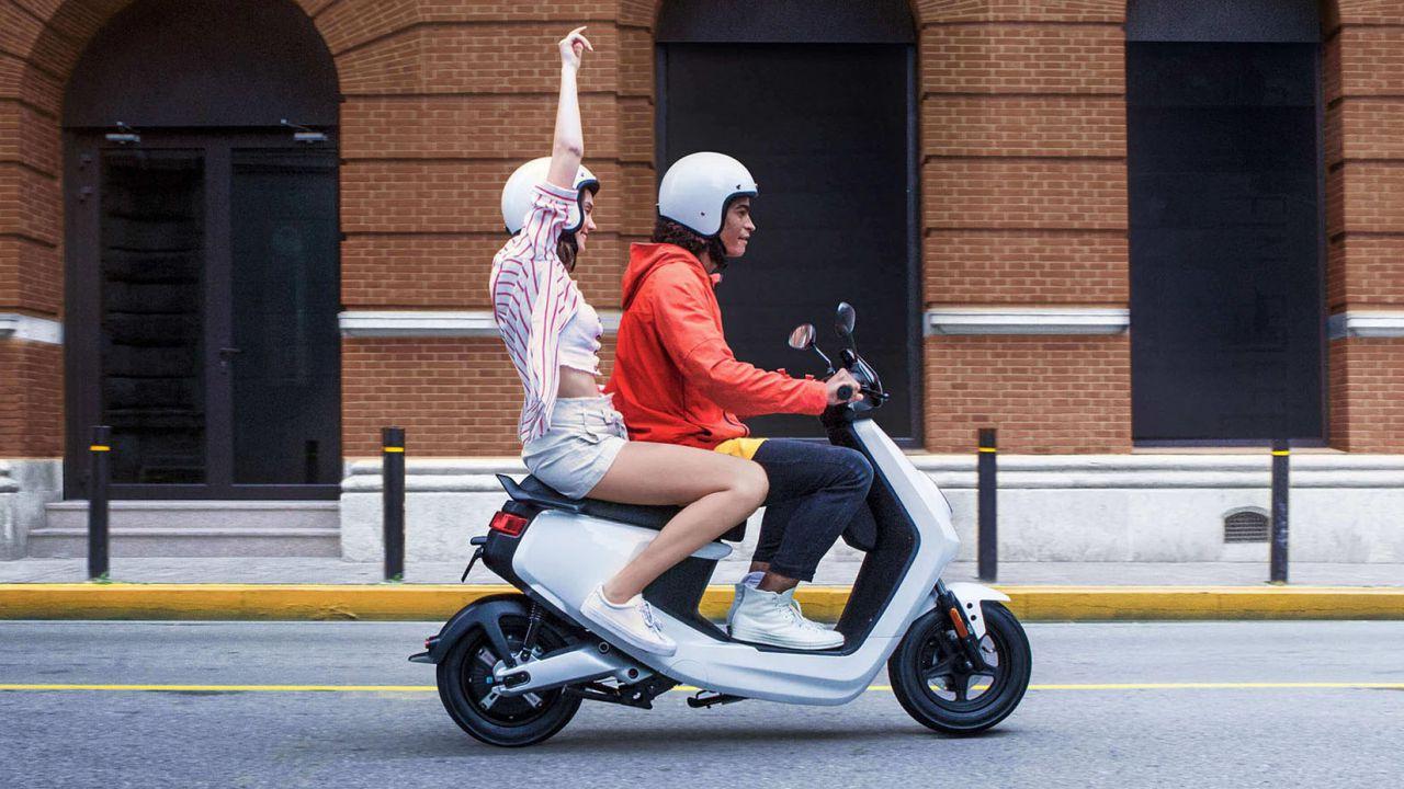 Bonus moto e scooter elettrici, intervista all'ideatore Emanuele Scagliusi