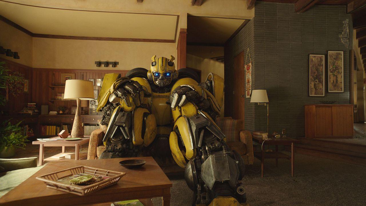 recensione Bumblebee, la recensione: la saga dei Transformers trova la propria voce
