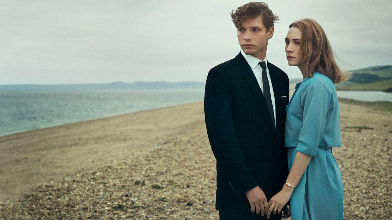 recensione Chesil Beach - Il segreto di una notte, il film con Saoirse Ronan
