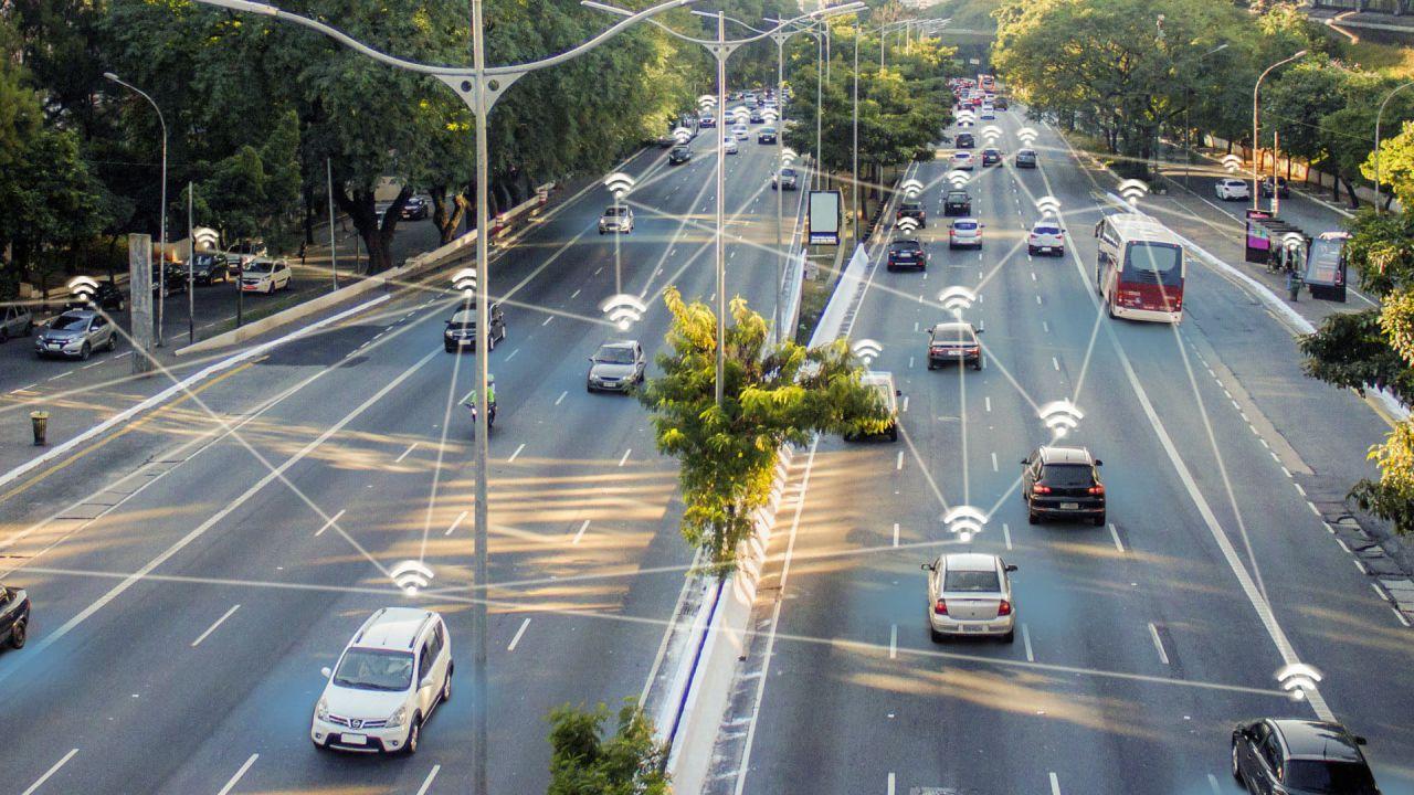 speciale Come cambiano le auto con il 5G? Inizia l'era della guida autonoma