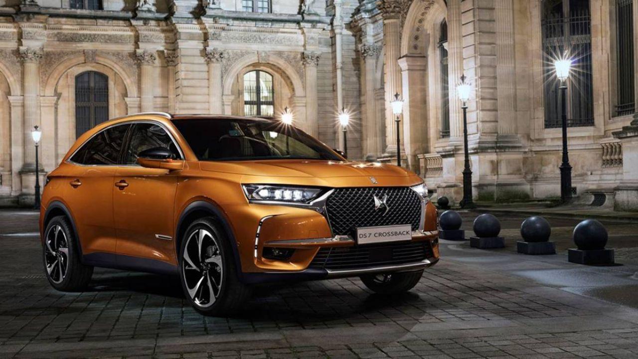 DS 7 Crossback: tecnologia ibrida e guida semi-autonoma per il SUV di Citroen