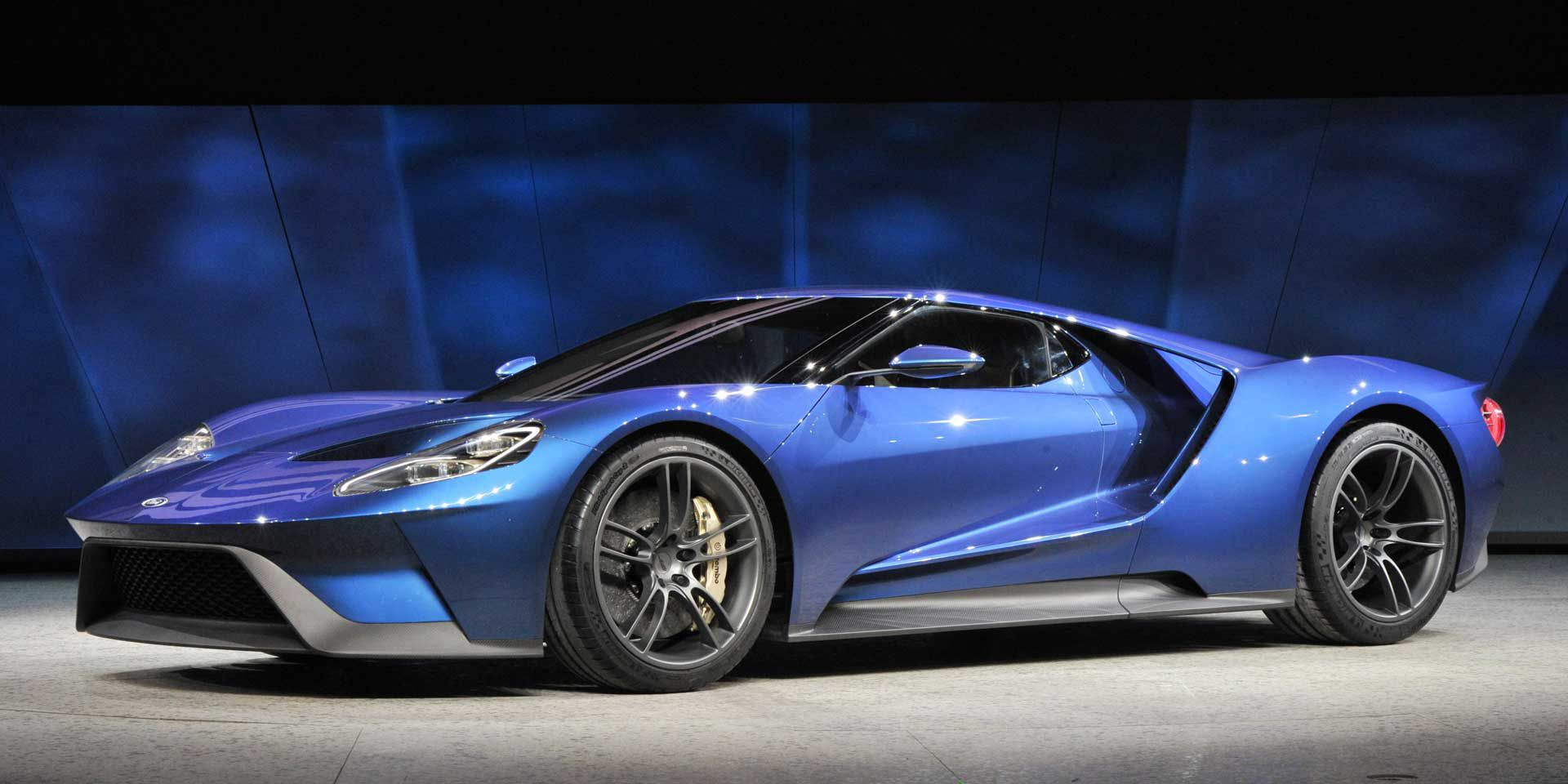 Speciale ford gt 2017 la supercar protagonista di forza for Ford gt 2017 motor