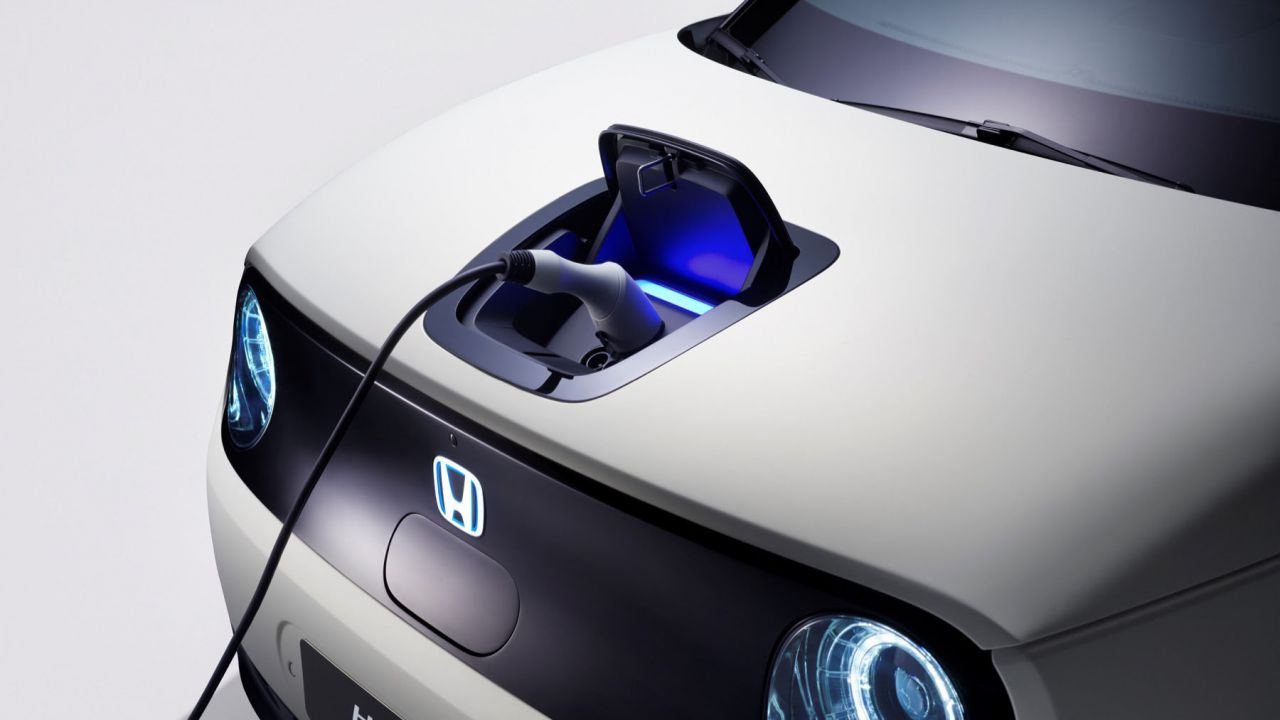 speciale Ginevra apre alle city car elettriche: le auto EV finalmente accessibili?