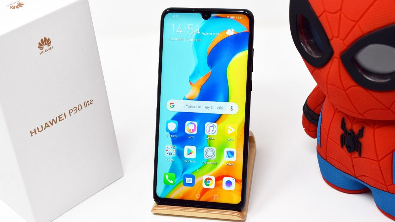 Huawei P30 Lite New Edition Recensione: c'è il Play Store, ma poche novità