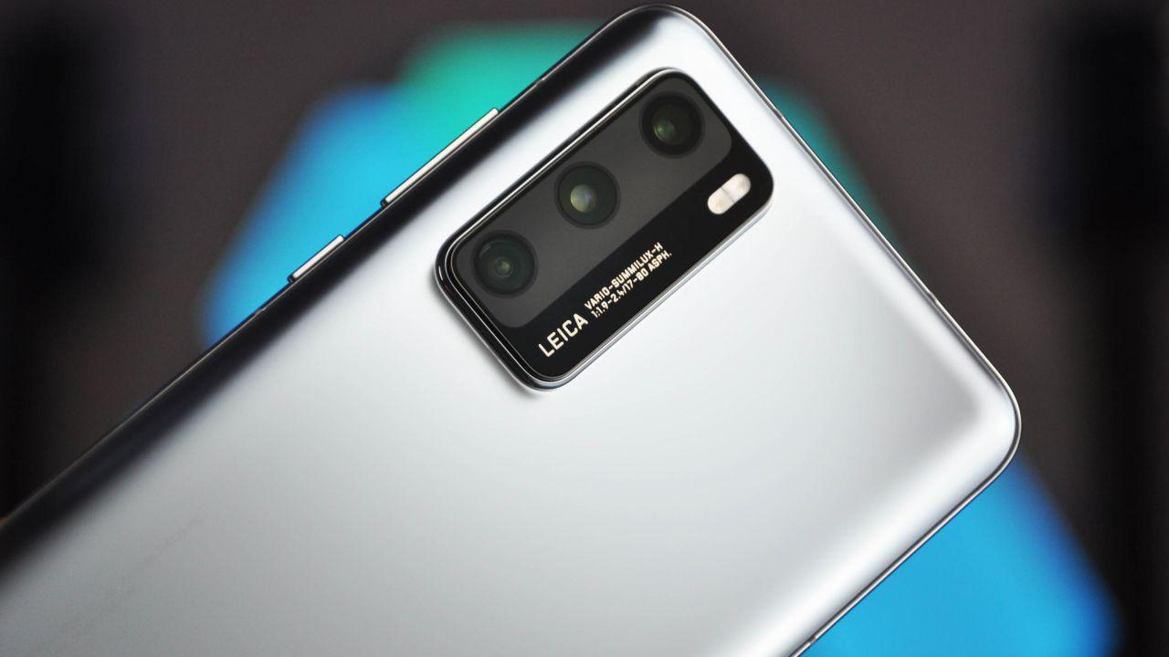 recensione Huawei P40 Recensione: lo smartphone con HMS a misura di mano