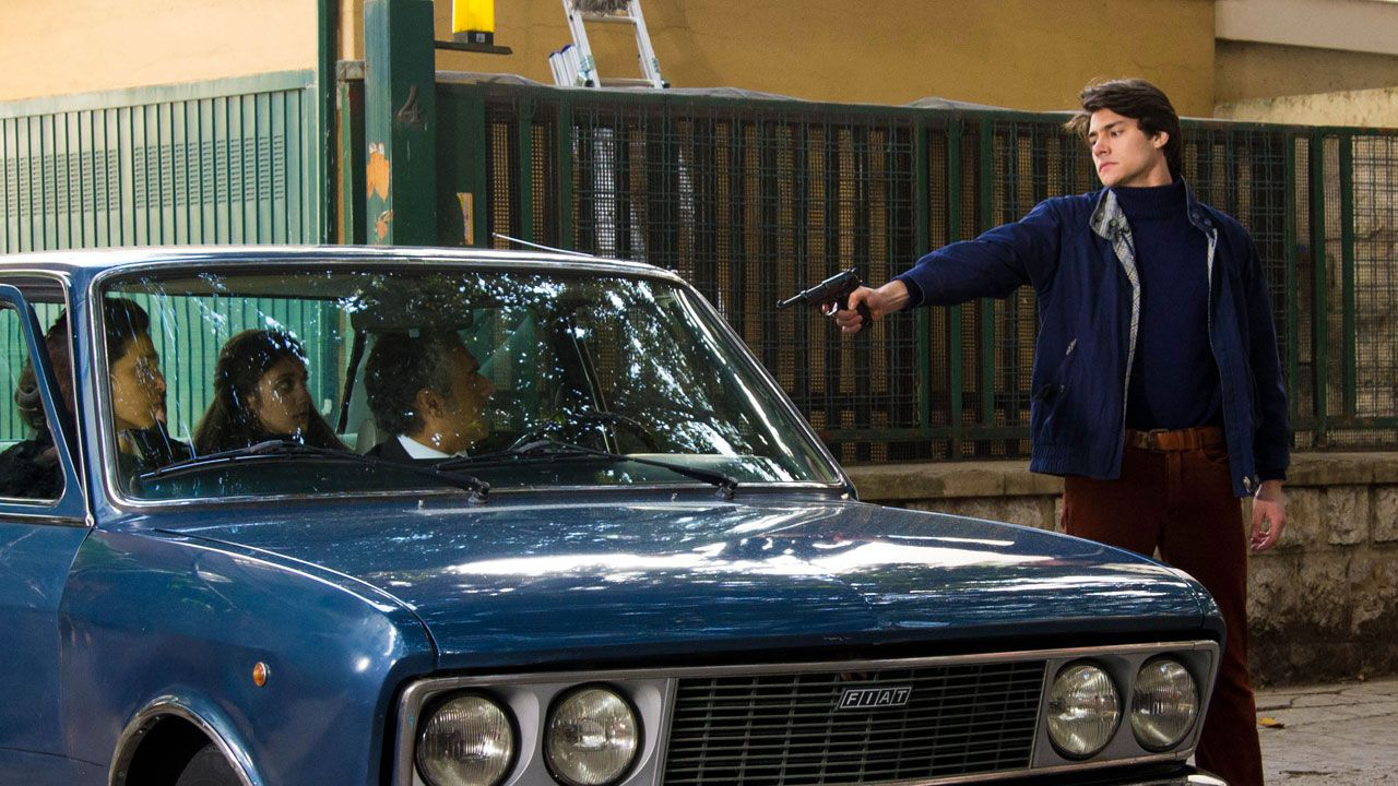 Il delitto Mattarella, recensione del film firmato Aurelio Grimaldi