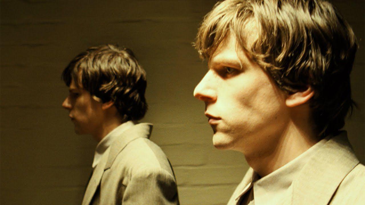 Il sosia - The Double, la recensione del film mystery/sci-fi su Prime Video