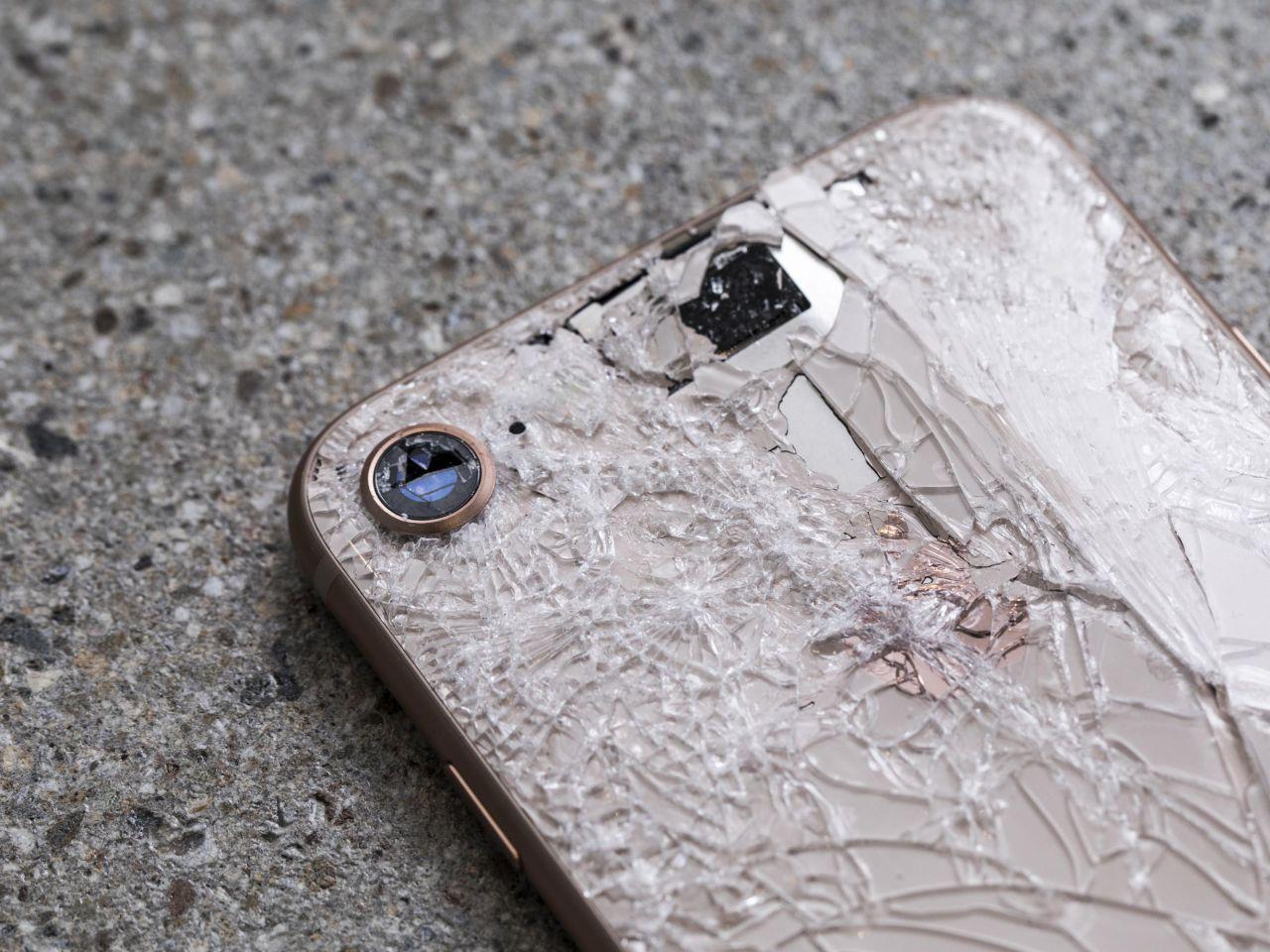 iPhone 8 e drop test: il vetro posteriore è resistente, ma meglio ...