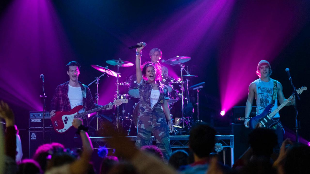recensione Julie and the Phantoms Recensione: il nuovo High School Musical su Netflix?