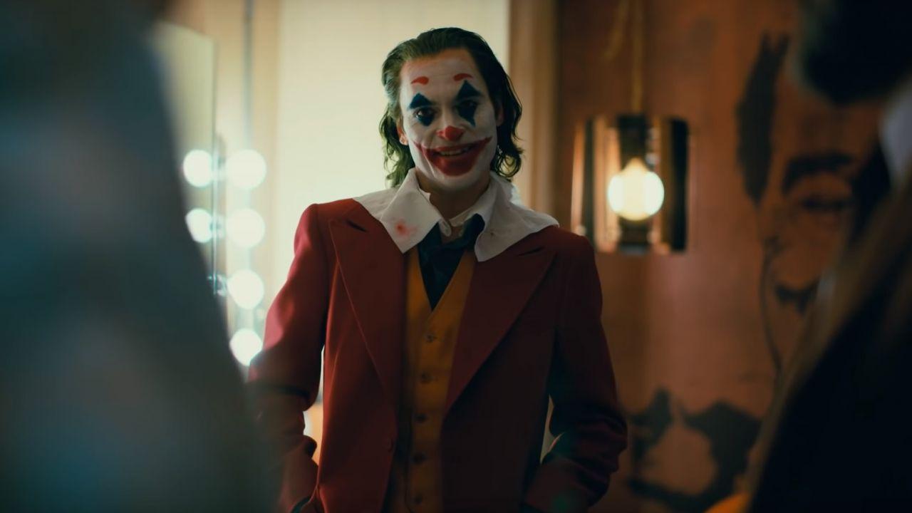 L'ultimo trailer di Joker è un preoccupante ritratto della società moderna