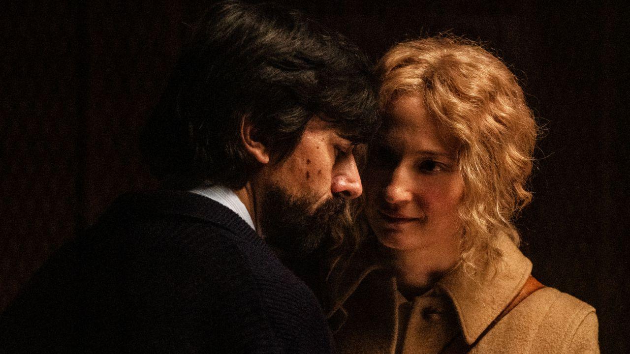 recensione Lacci, la recensione del film di Daniele Luchetti con Alba Rohrwacher