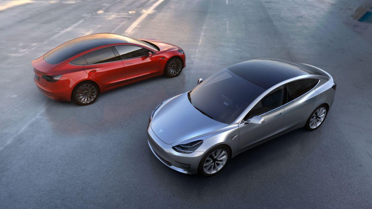 speciale Le Tesla hanno maggiore autonomia delle concorrenti? La parola agli esperti