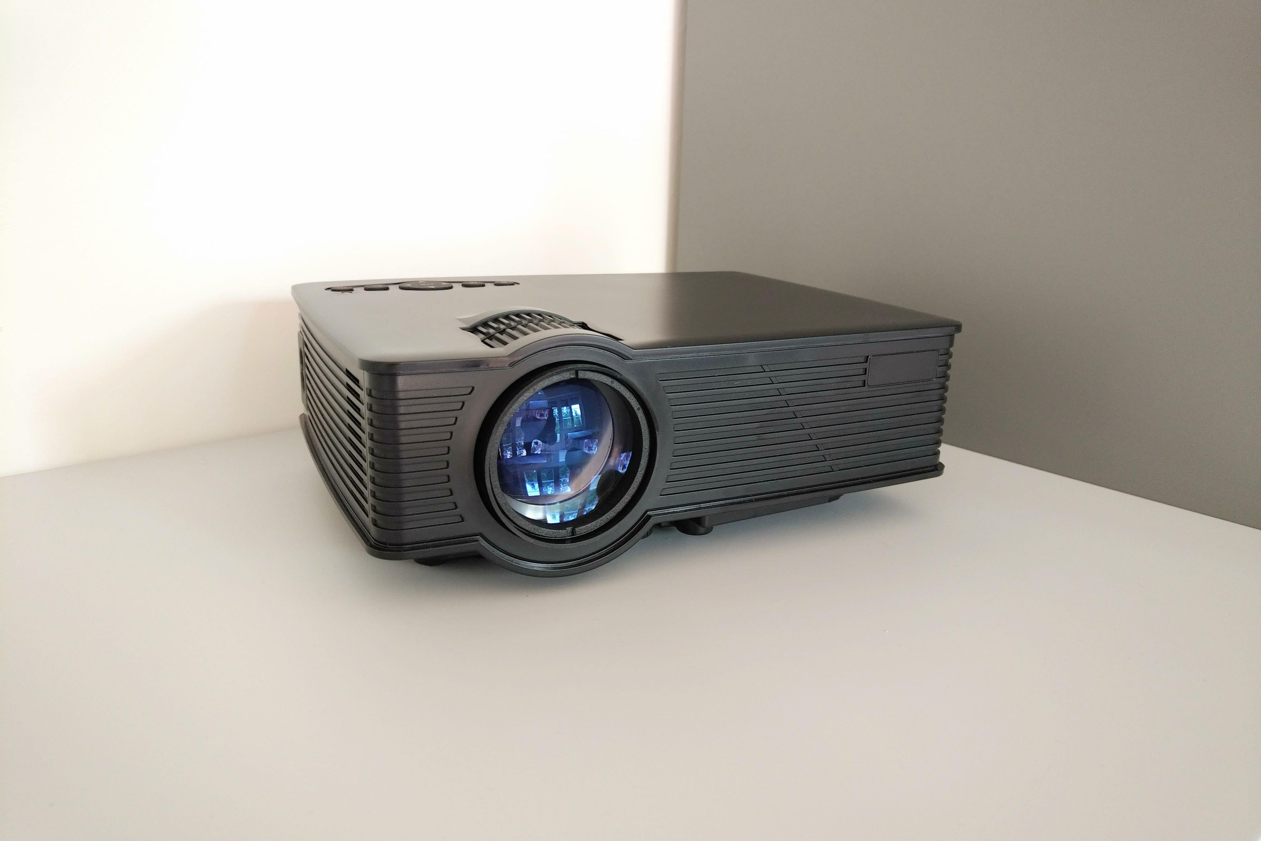 Collegare il proiettore al suono surround netizenbuzz agenzia di incontri