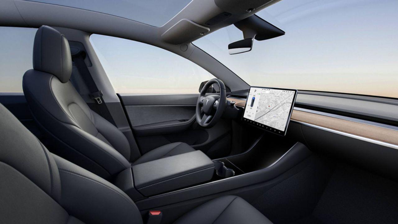 Non comprate la Guida Autonoma di Tesla a 6.700 euro: meglio risparmiare?