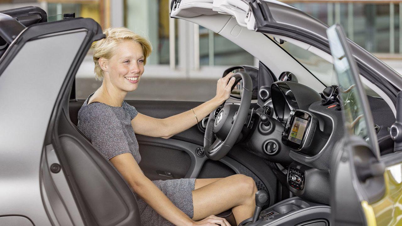 Nuova Smart Fortwo Cabrio: caratteristiche, allestimenti e prezzo
