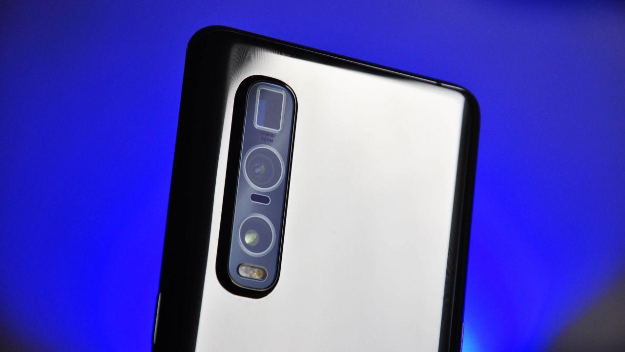 recensione Oppo Find X2 Pro Recensione: potenza da vendere, ricarica e schermo al top