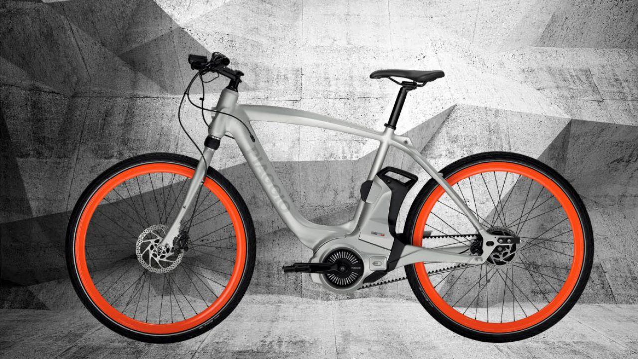 speciale Piaggio Wi-Bike: la bici elettrica high-tech