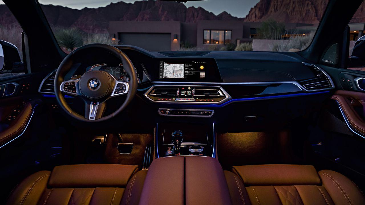 Primo sguardo al nuovo BMW Live Cockpit con BMW OS 7.0: l'arte della parola