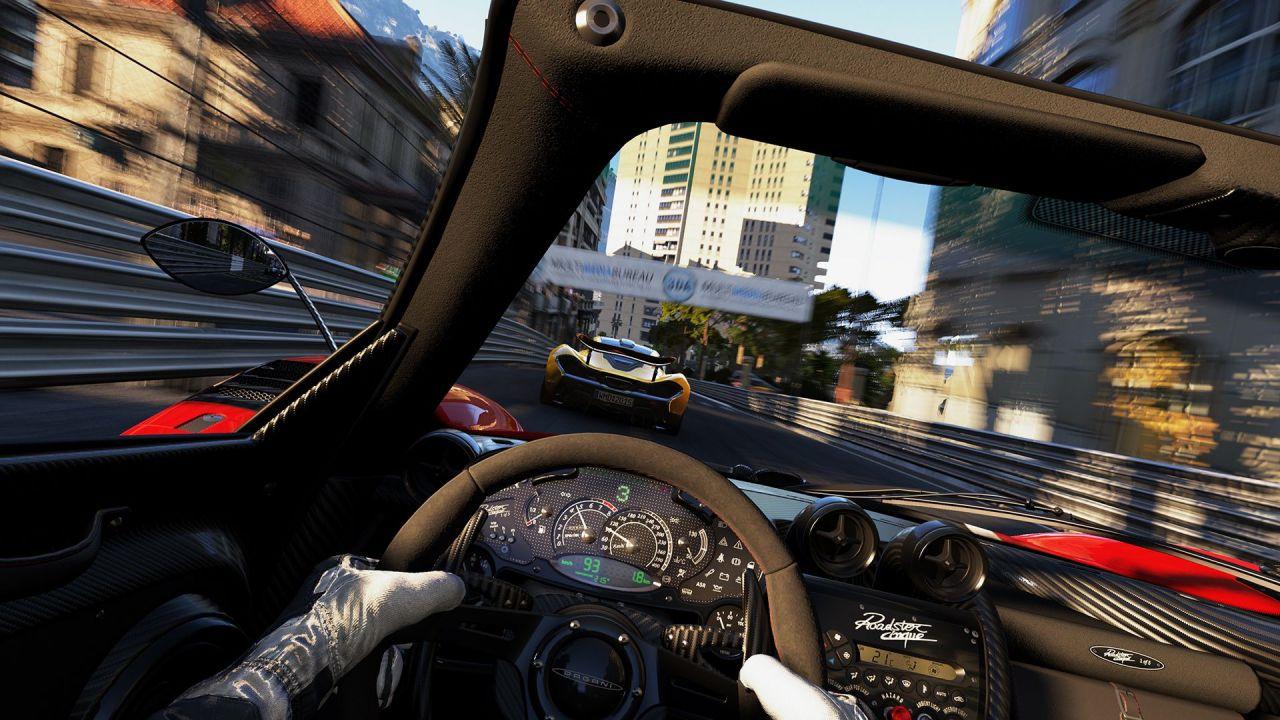 speciale Project CARS 2 provato in Realtà Virtuale con il volante Fanatec CSL Elite