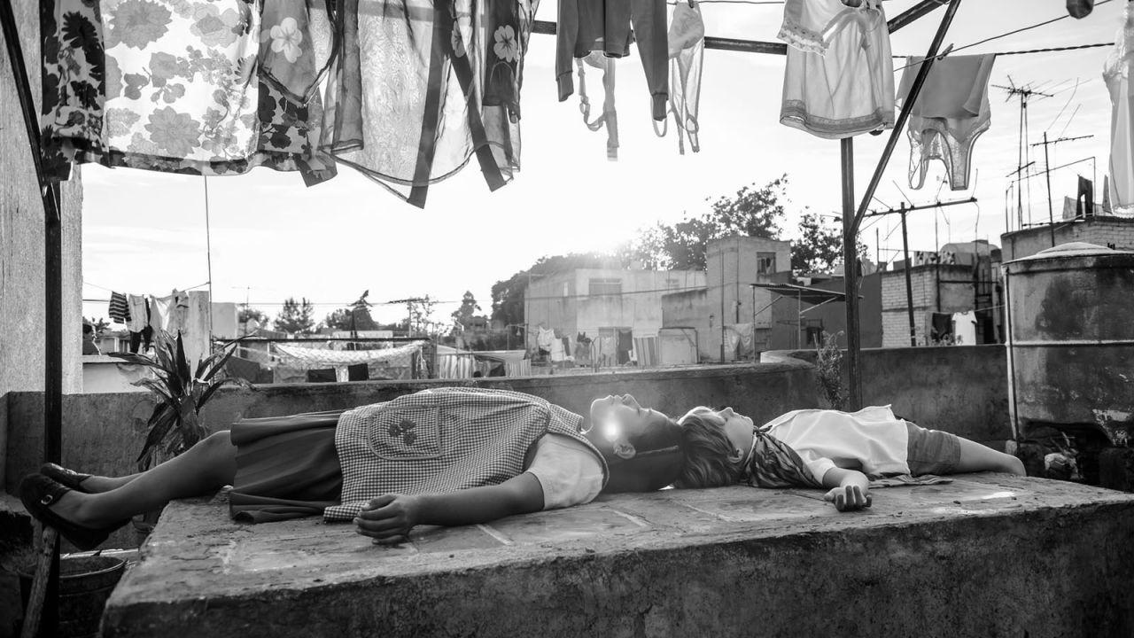 Roma, la recensione: l'arte e la vita s'incontrano, diventando indistinguibili