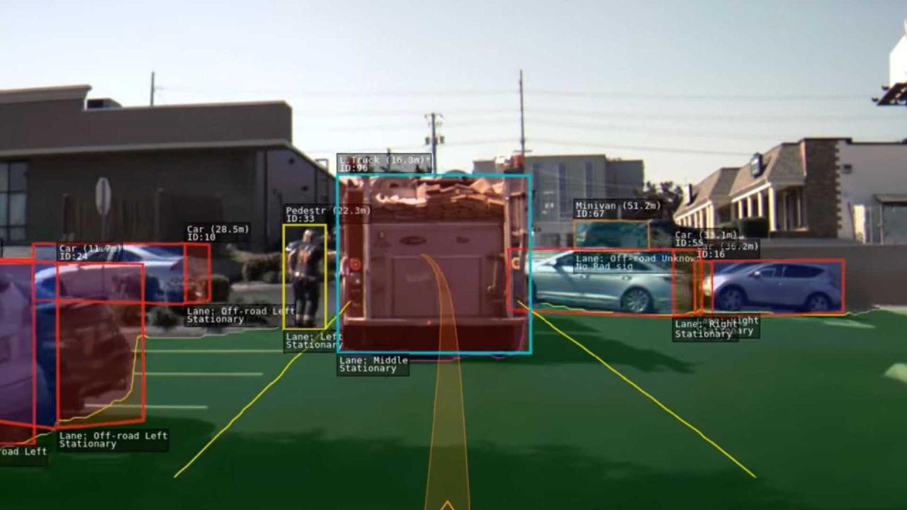 Tesla e la raccolta dei dati: ecco perché Autopilot è irraggiungibile