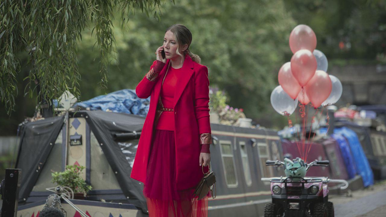 recensione The Duchess Recensione: la sitcom Netflix sopra le righe di Katherine Ryan