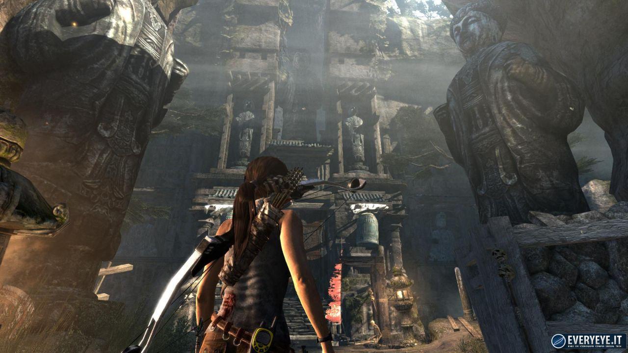 hands on Tomb Raider