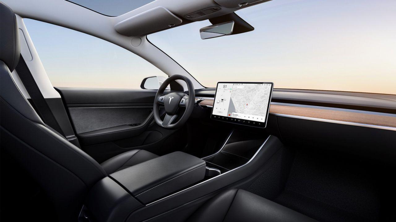 speciale Tutto ciò che amo della Tesla Model 3: i vantaggi al di là dei difetti