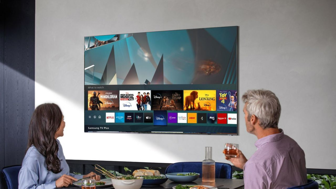 speciale TV Samsung QLED e Tizen: dalle app allo Smart Remote, un OS interconnesso