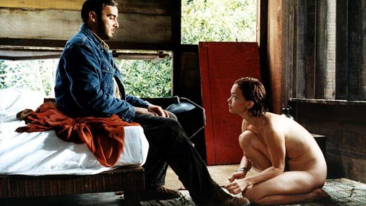 Un bicchiere di rabbia, la recensione del film erotico