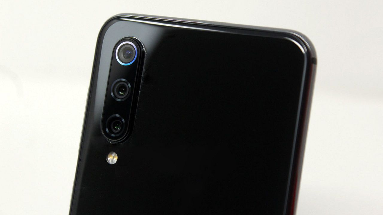 recensione Xiaomi Mi 9 SE Recensione: leggero come una piuma e potente quanto basta