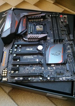 ASUS ROG Maximus VIII Assembly