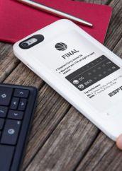 popSLATE 2, la custodia per iPhone con schermo e-ink