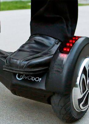 RevoBot: un piccolo e avanzato sistema di trasporto personale