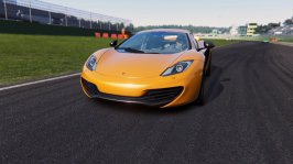 Assetto Corsa sfreccia su PS4 e Xbox One - Recensione