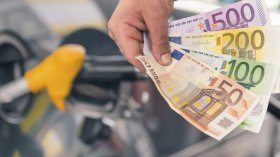 Aumento dell'IVA e rischio nuove accise: un salasso per gli automobilisti