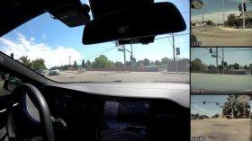 Autopilot di Tesla svolta di 90 gradi a un incrocio senza linee, il video