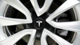 Tesla e le batterie che prendono fuoco: si rischia un richiamo di massa?