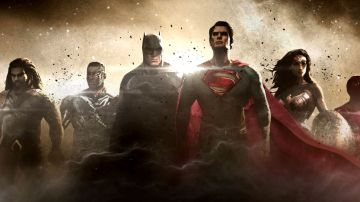 Video gli eroi della justice league giocano con le loro action figure! video